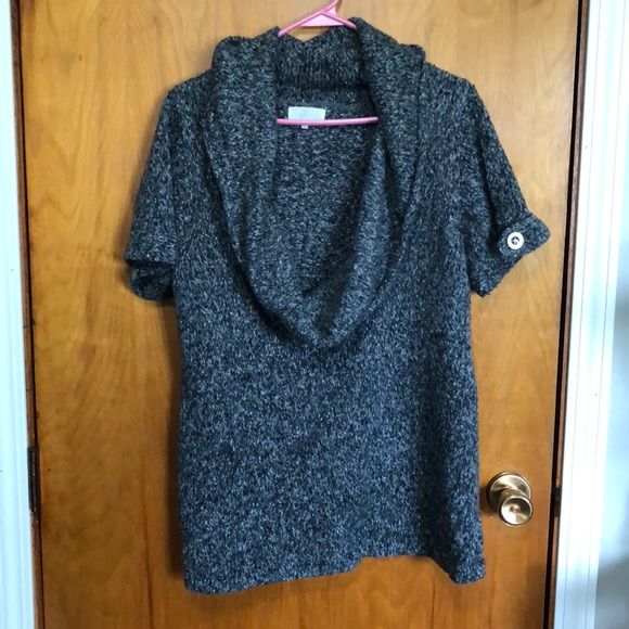 0e727d40bd0 Adorable sweater! M 5b69fc83d8a2c77f8c66d1bb